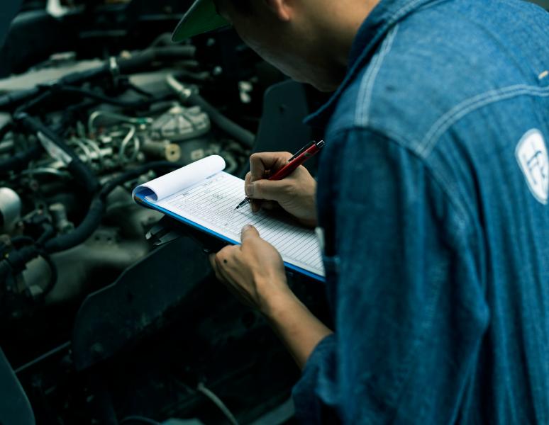 各種点検の資格者を有し、すべての車輌に対して検査(車検)が可能